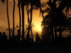 Waikiki_Sunset__Kuhio_beach.jpg