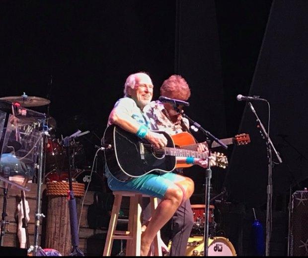 Buffett performs in Mansfield MA (Great Woods) – BuffettNews com