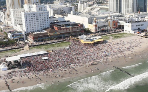 From Acweekly Jimmy Buffett Beach Concert At Margaritaville Resorts